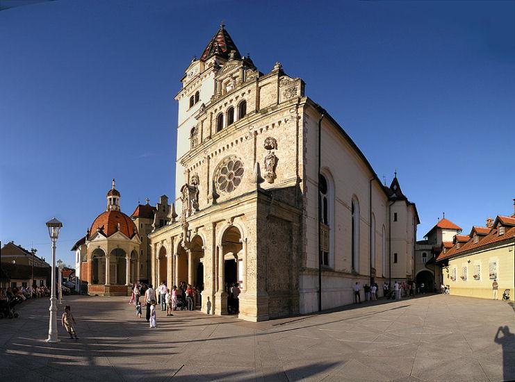 MARIJA-BISTRICA-crkva-s-prednje-strane