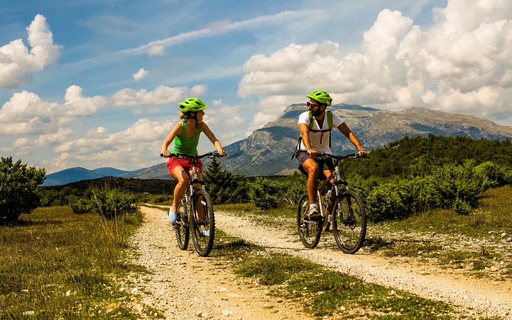 Dinara_Biking_1