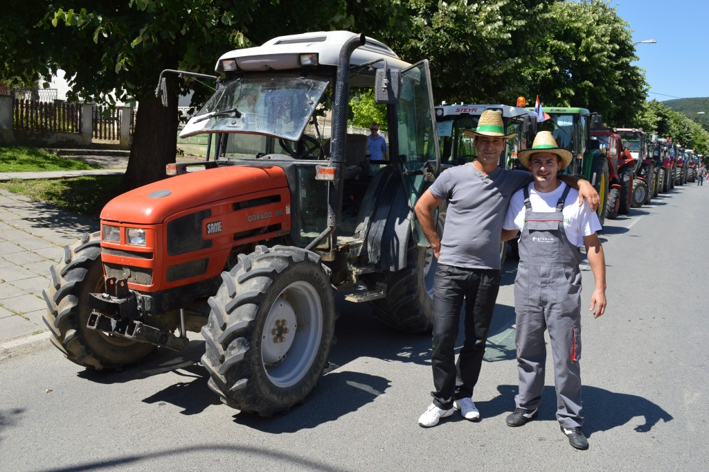 Utrka traktora