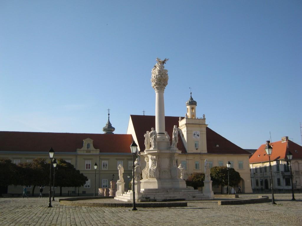 Osijek Trg Sv Trojstva-1