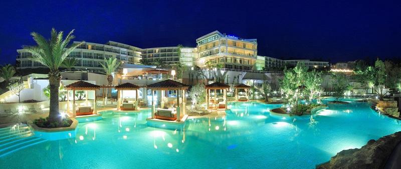 Suncani_Hvar0304-Amfora pool & hotel blue hour panoramic_0