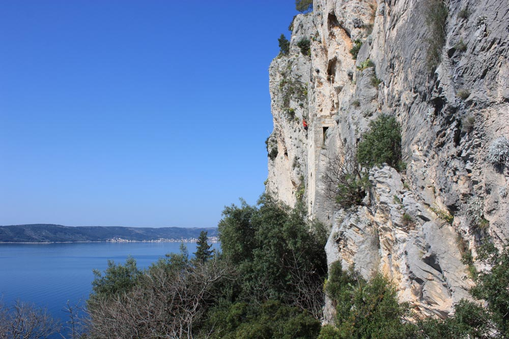 rock-climbing-in-split-with-given2fly-adventures-gyg2